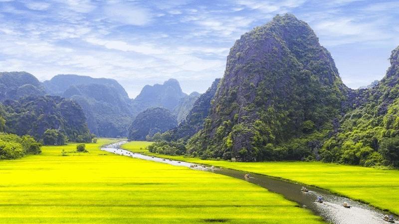 Phong Nha To Ninh Binh By Car – Private Driver