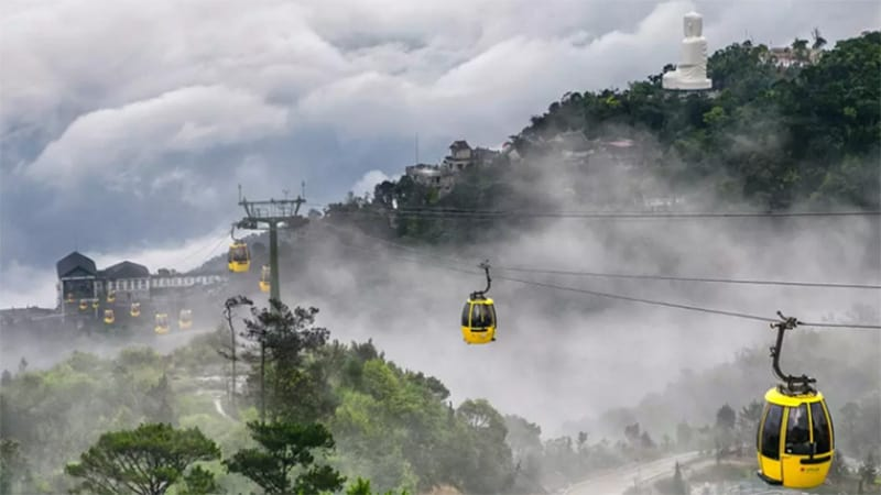 Hoi An to Ba Na Hills by privcate car