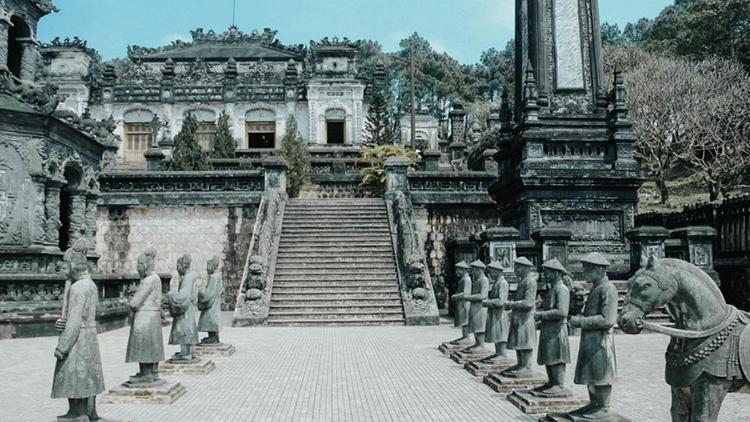 khai-dinh-tomb - danang to hue day trip
