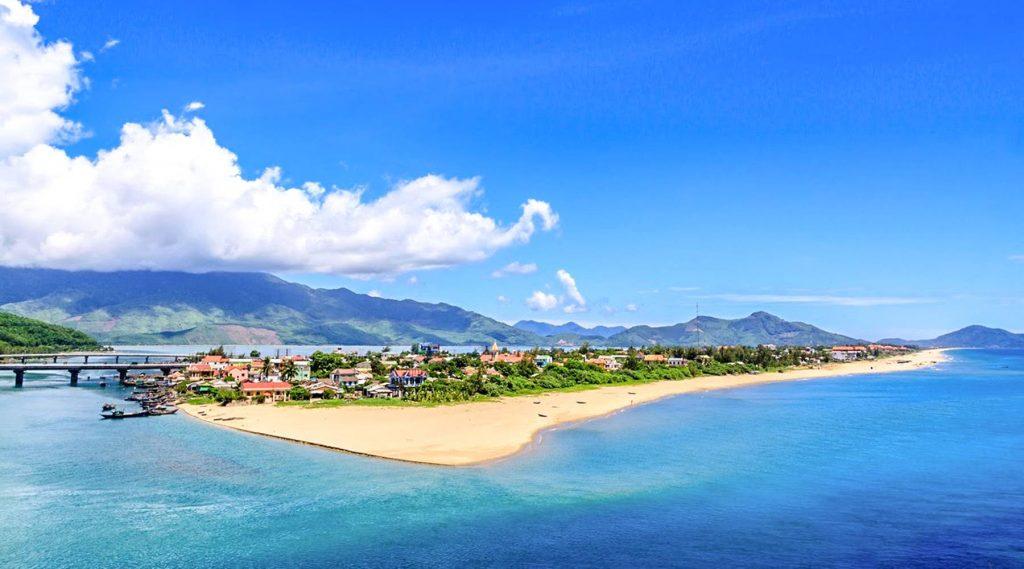 Lang Co Beach - Is Hue worth visiting