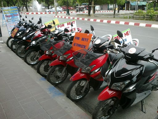 Travel From Da Nang to Hoi An by motorbike
