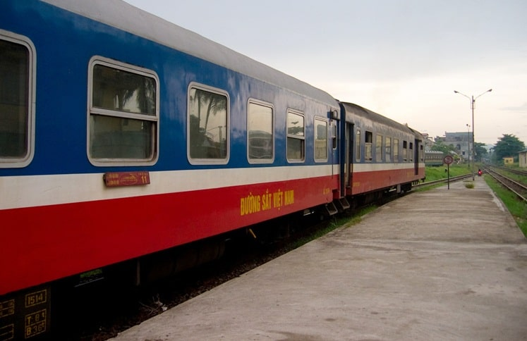 Travel From Hue to Hoi An by Train