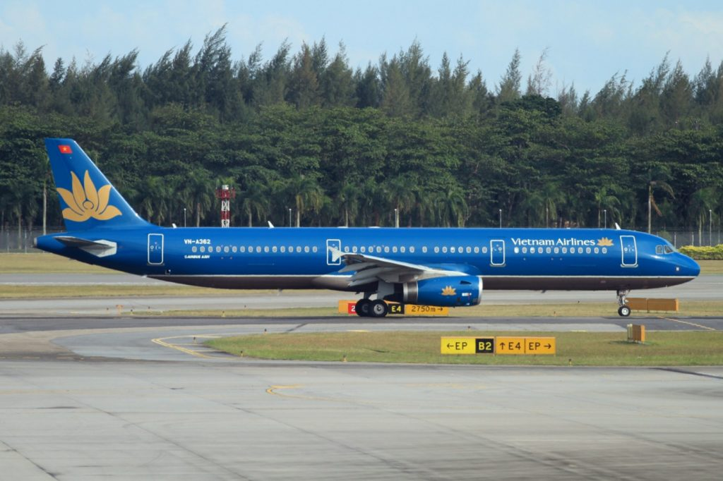 Travel From Hue to Ha Noi by flight