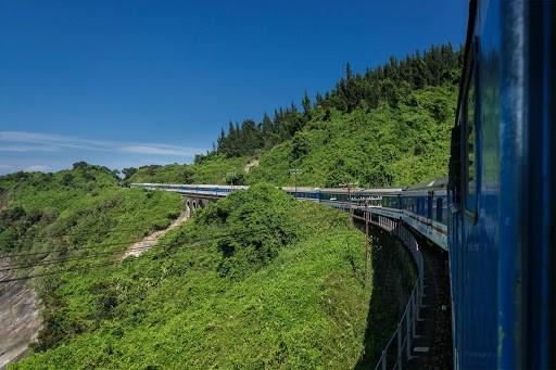 from Phong Nha to Da Nang by train