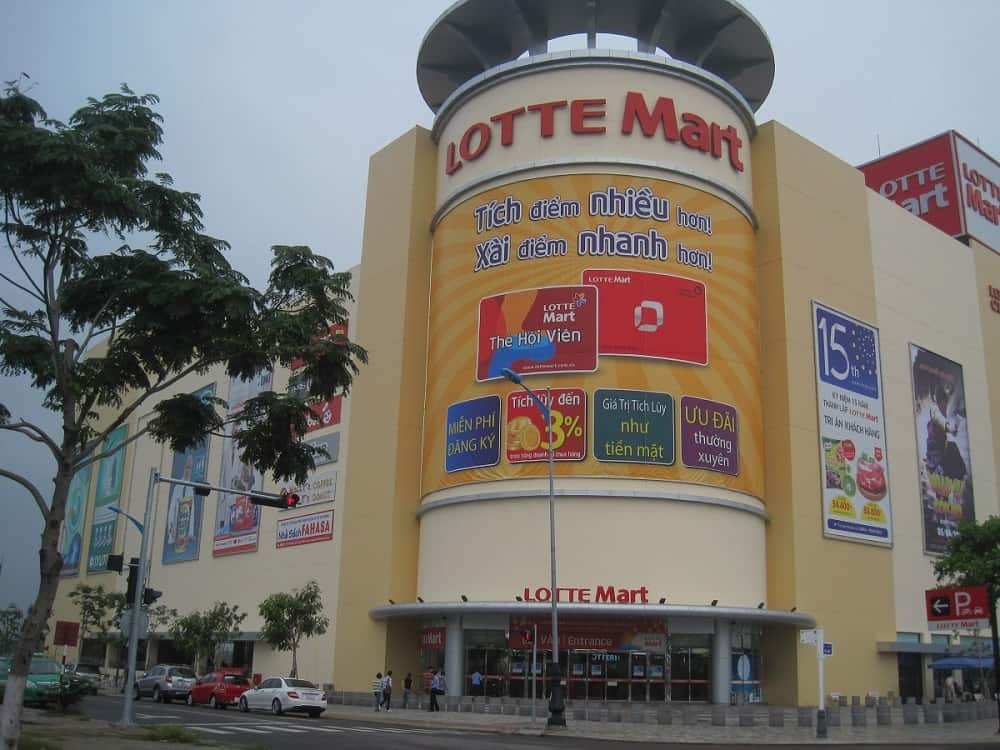 Shopping in Danang lotte mart