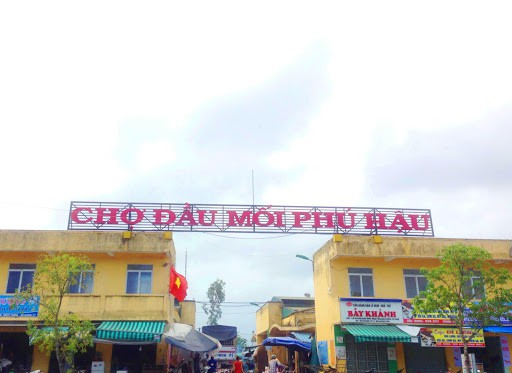 Market in Hue City