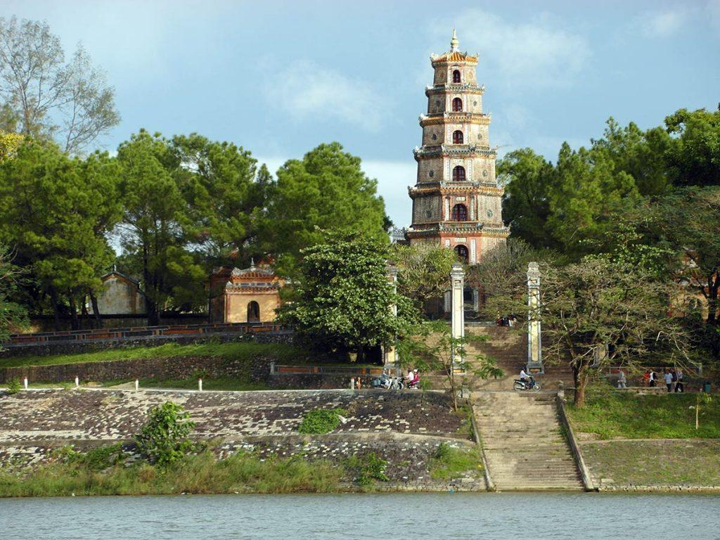 Thien mu pagoda - One Day in Hue Vietnam
