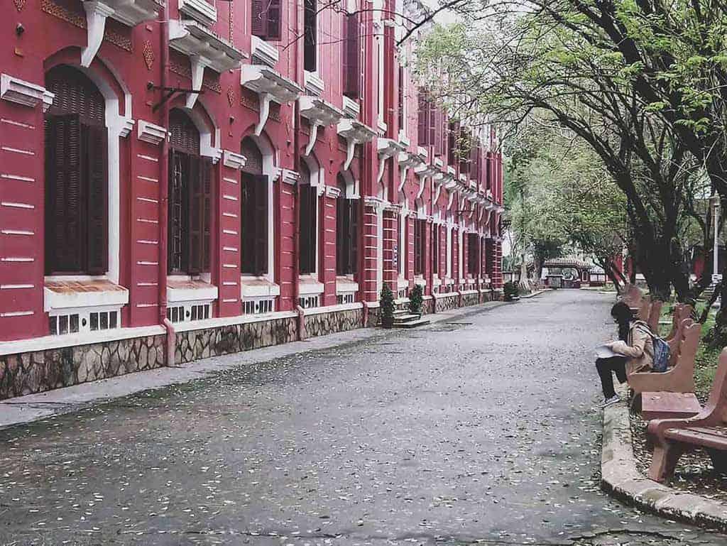 One Day in Hue Vietnam - quoc hoc school