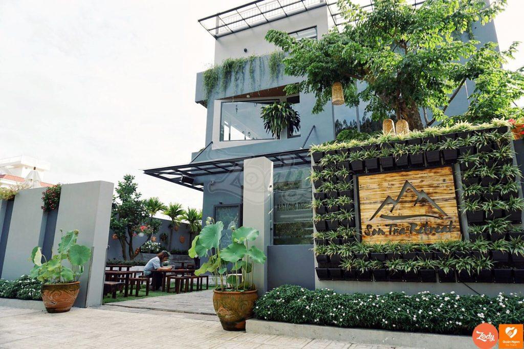 local restaurant in danang