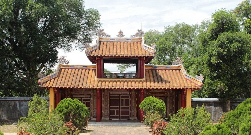 Gia Long - Royal Tombs in Hue