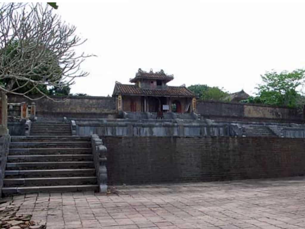 Thieu Tri - Royal Tombs in Hue